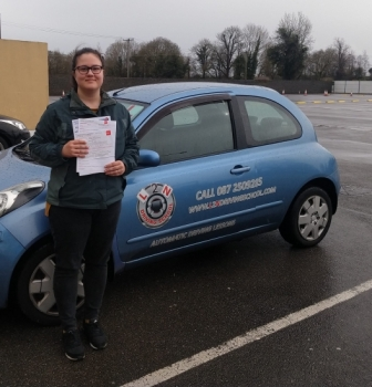 Congratulations to Klara Lukin on passing her test first time today at the Castlemungret test centre. Klara put a lot of effort into getting up to test standard and it paid off today. Well done Klara